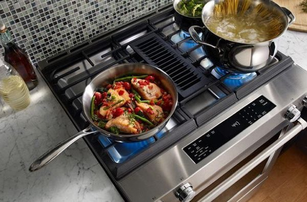 Reheating frozen food on a gas stove